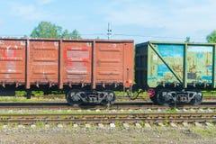 Товарный вагон на железной дороге стоковая фотография rf