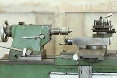 Токарный станок в фабрике стоковая фотография