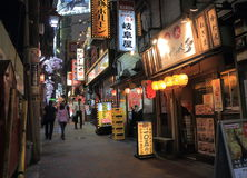 Токио Япония переулка ночной жизни Стоковые Фото