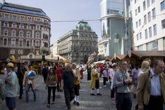 Толпы Stephansplatz Стоковая Фотография RF