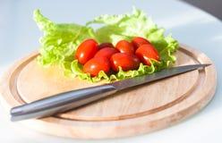 Томаты вишни вырезывания Стоковое фото RF