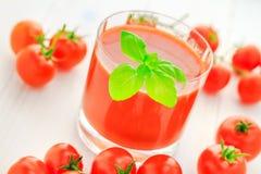 Томаты вишни здорового сока еды красные Стоковое Изображение RF