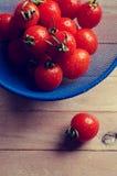 Томаты вишни с капельками воды Стоковые Фото