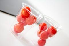 томаты еды свежие здоровые красные Стоковые Изображения