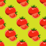 Томаты и куски предпосылки томата безшовной Вектор дизайна плоского и сплошного цвета Стоковая Фотография RF