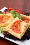 томаты слойки печенья сыра Стоковые Изображения RF