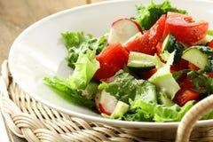 томат салата редисок огурцов Стоковые Фото