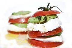 томат салата mozzarella авокадоа Стоковая Фотография RF