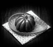 Томат сердца говядины в черно-белом Стоковые Изображения