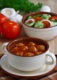 томат соуса meatballs Стоковое Фото