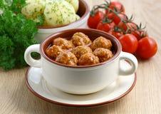 томат соуса meatballs Стоковая Фотография RF