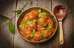 томат соуса meatballs Стоковые Изображения