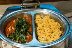 томат спагетти соуса meatballs вкусной еды homely стоковые фотографии rf