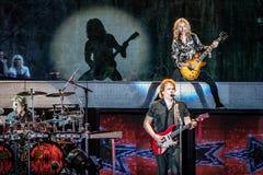 Томми Shaw & детеныши Джеймс STYX выполняя на концерте Калифорнии Стоковые Фото
