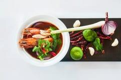 Том Yum Gung - суп Тома Yum - тайская еда стоковое изображение rf
