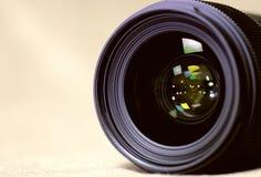 Тонизированная monochrome предпосылка объекта пирофакела объектива Стоковые Фото
