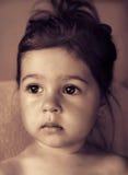 тонизированный портрет милый унылый думать ребенк Стоковое фото RF