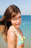 Тонкая девушка на море Стоковая Фотография RF