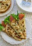Тонкие свернутые блинчики, crepes с семгами Традиционный русский Стоковая Фотография
