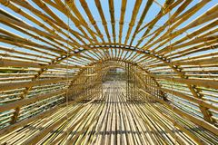 Тоннель назначения перемещения бамбуковый внутри Handcraft тонна Tan Baan стоковые фото