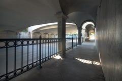Тоннель тротуара, улица положения Стоковые Фото