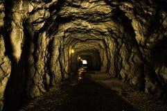 Тоннель Hetch Hetchy с светом в конце стоковые фотографии rf