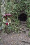 Тоннель WWII японский в Legazpi, Филиппинах стоковая фотография