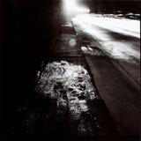 Тоннель с светами движения в черно-белом Стоковые Изображения