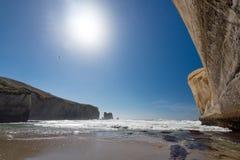 тоннель zealand пляжа новый Стоковое фото RF