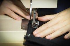 Тон темноты швейной машины Стоковые Изображения