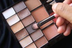 Тон теней для век коричневый в косметической палитре Стоковые Изображения RF