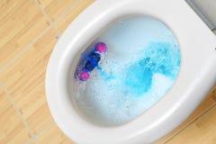 Топить шара туалета стоковое изображение
