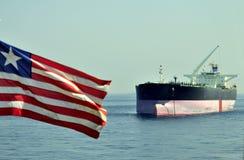 топливозаправщик корабля сырой нефти несущей стоковое изображение