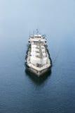 топливозаправщик корабля шлюпки дозаправляя Стоковое Изображение RF