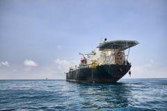 Топливозаправщик FPSO в океане Стоковые Изображения