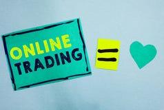 Торговая операция текста почерка онлайн Смысл концепции покупая и продавая имущества через бирюзу платформы интернета брокерства  стоковые изображения