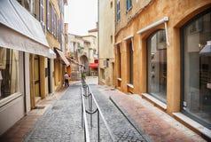 Торговая улица в Сан Tropez, dAzur Коута стоковое изображение rf