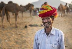 торговец верблюда в pushkar верблюде справедливом Стоковые Фото