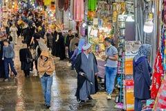 Торговля в грандиозном иранском базаре, Тегеран, Иран Стоковые Изображения