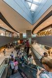Торговый центр Tung Chung болезненное Lantau выхода CityGate людей islan Стоковая Фотография