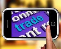 Торговля в телефоне облака слова показывает онлайн приобретение и продавать иллюстрация вектора