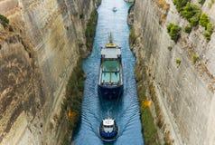 Торговля перехода корабля Коринфа канала Стоковые Изображения RF