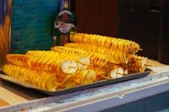 Торгуйте в еде улицы, мясе, хлебобулочных изделиях, барбекю на празднике Стоковые Фотографии RF