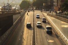 Торгуйте на заходе солнца, высоком угле от моста стоковая фотография rf