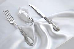 Торжественная сервировка стола Винтажная вилка и нож Стоковое Изображение RF
