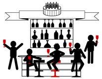 Торжество дня рождения с друзьями в баре стоковое изображение
