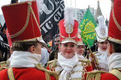 Торжество дня ` s St. Patrick в Москве Диапазон барабанщиков женщин Стоковые Фотографии RF