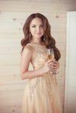 Торжество партии, пить Красивая элегантная женщина в Д-р вечера Стоковое Изображение RF
