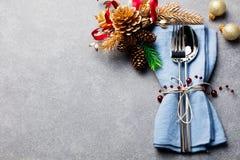 Торжество сервировки стола праздника рождества и Нового Года копирует космос Стоковое фото RF