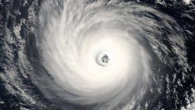 Торнадо шторма урагана, спутниковый взгляд Некоторые элементы этого видео поставленного NASA видеоматериал